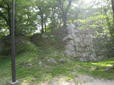 福島正則が破却したと伝わる広島城の石垣