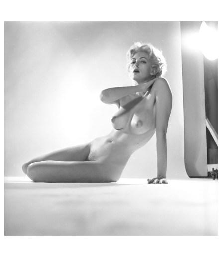 Carmen Dell'Orefice photo Peter Basch, 1940's c