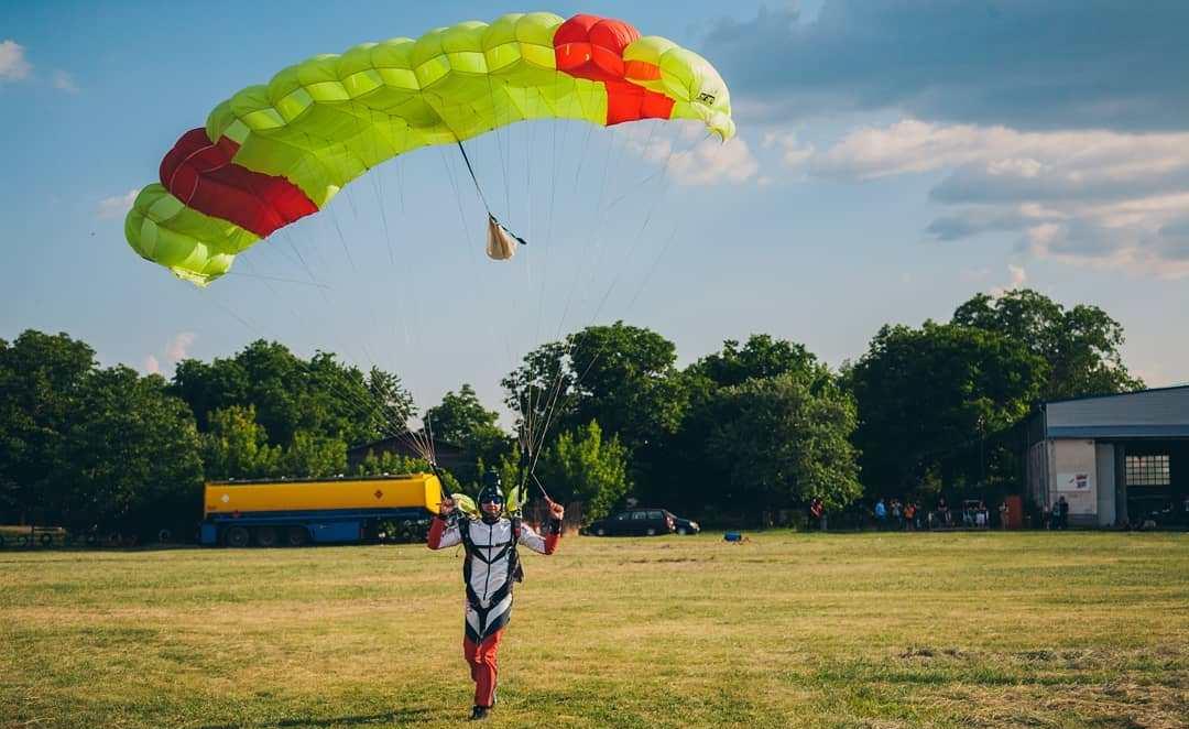 Hangariada 2019 | Ce trebuie să știți despre singurul festival de artă și zbor din România?