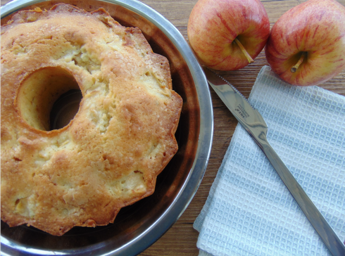 apple-cake-featured