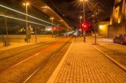 Le tram de nuit, vers le pont.