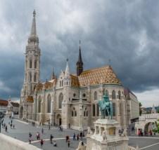 Eglise Matthias, Statue du roi Etienne