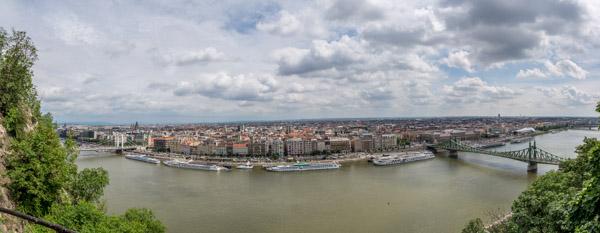 Vue de Pest depuis Buda