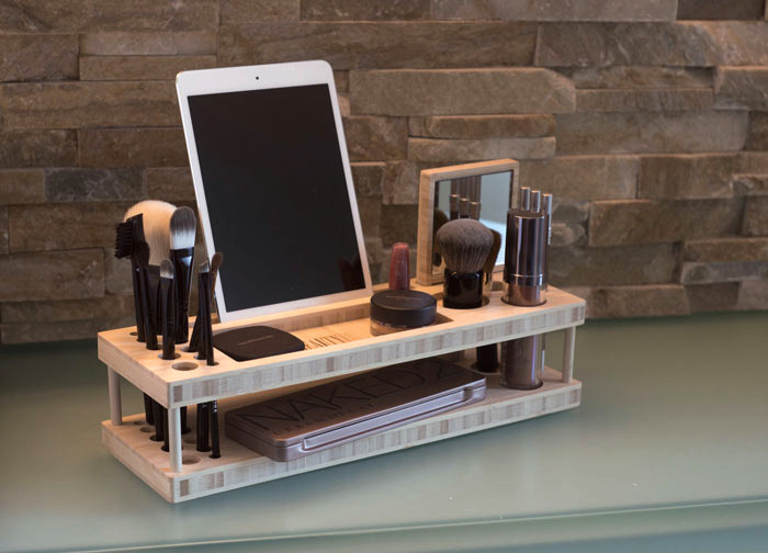 A Countertop-Worthy Makeup Organizer
