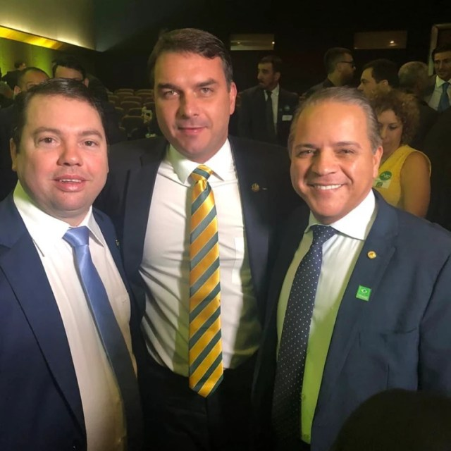 Personalidades políticas participaram do lançamento do Aliança pelo Brasil