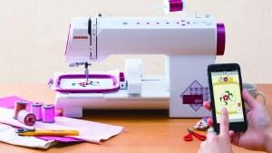世界初!スマホでデザイン指定ができる小型刺繍専用ミシンが発売