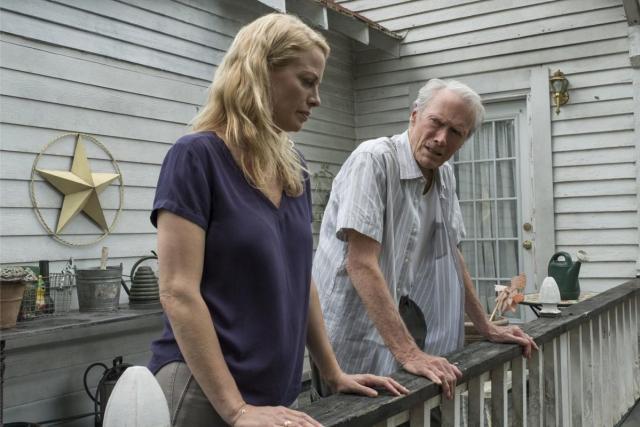 Alison Eastwood y Clint Eastwood en The Mule (2018). Imagen: Warner Bros. Pictures