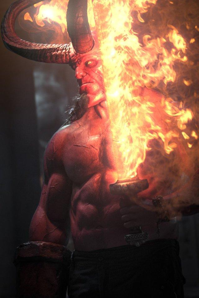 Una de las habilidades de Hellboy es manipular el fuego infernal. Imagen: Hellboy (@HellboyMovie).