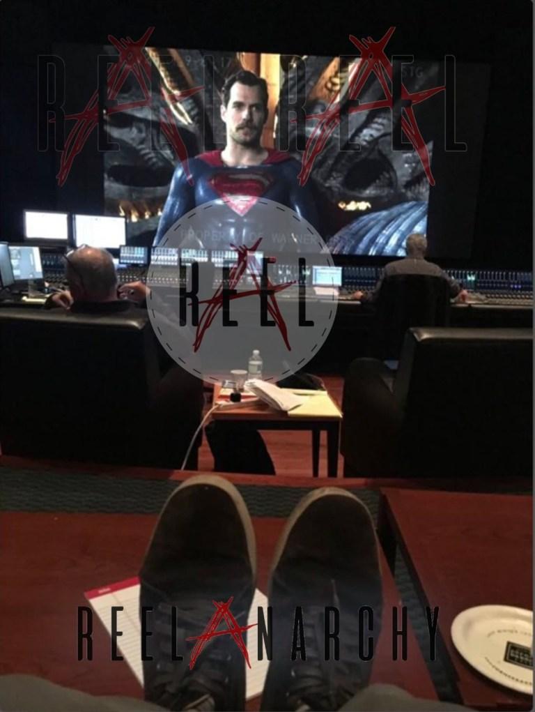 Superman (Henry Cavill) y su bigote en Justice League (2017). Imagen: Reel Anarchy