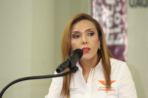 Va por la alcaldía de Ensenada con MC, Elvira Romero