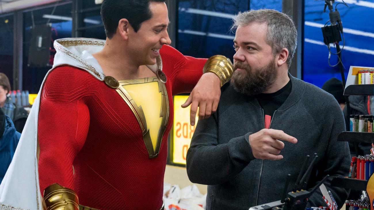 El actor Zachary Levi y el director David F. Sandberg en el set de Shazam!. (2019). Imagen: dccomics.com