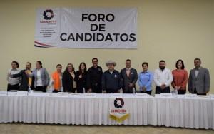 Participan candidatos a diputaciones en foro de Canacintra