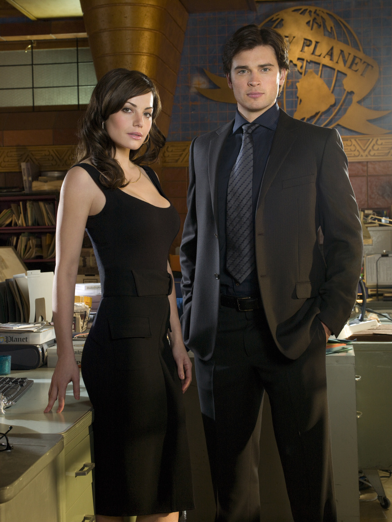 Erica Durance como Lois Lane y Tom Welling como Clark Kent en Smallville (2001-2011). Imagen: dvdbash.com
