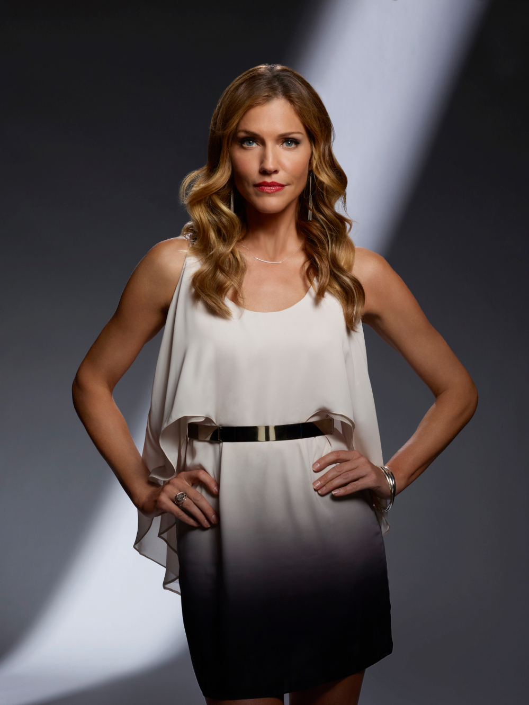 Tricia Helfer como Charlotte Richards en la temporada 2 de Lucifer. Imagen: Brendan Meadows/FOX