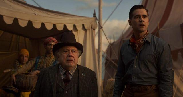 Danny DeVito y Colin Farrell en Dumbo (2019). Imagen: IMDb.com