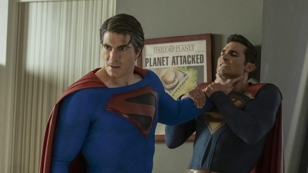 Brandon Routh como Kal-El/Clark Kent/Superman (Kingdom Come) y Tyler Hoechlin como Kal-El/Clark Kent/Superman (Earth-38) en Crisis on Infinite Earths: Part Two (episodio 108 de Batwoman). Imagen: KSiteTV