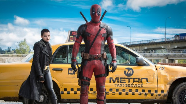 Negasonic Teenage Warhead (Brianna Hildebrand) y Deadpool/Wade Wilson (Ryan Reynolds) en Deadpool (2016). Imagen: fanart.tv