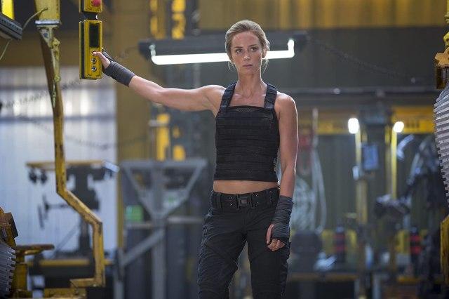 Emily Blunt como la Sargento Rita Vrataski en Edge of Tomorrow (2014). Imagen: David James/Warner Bros. Entertainment