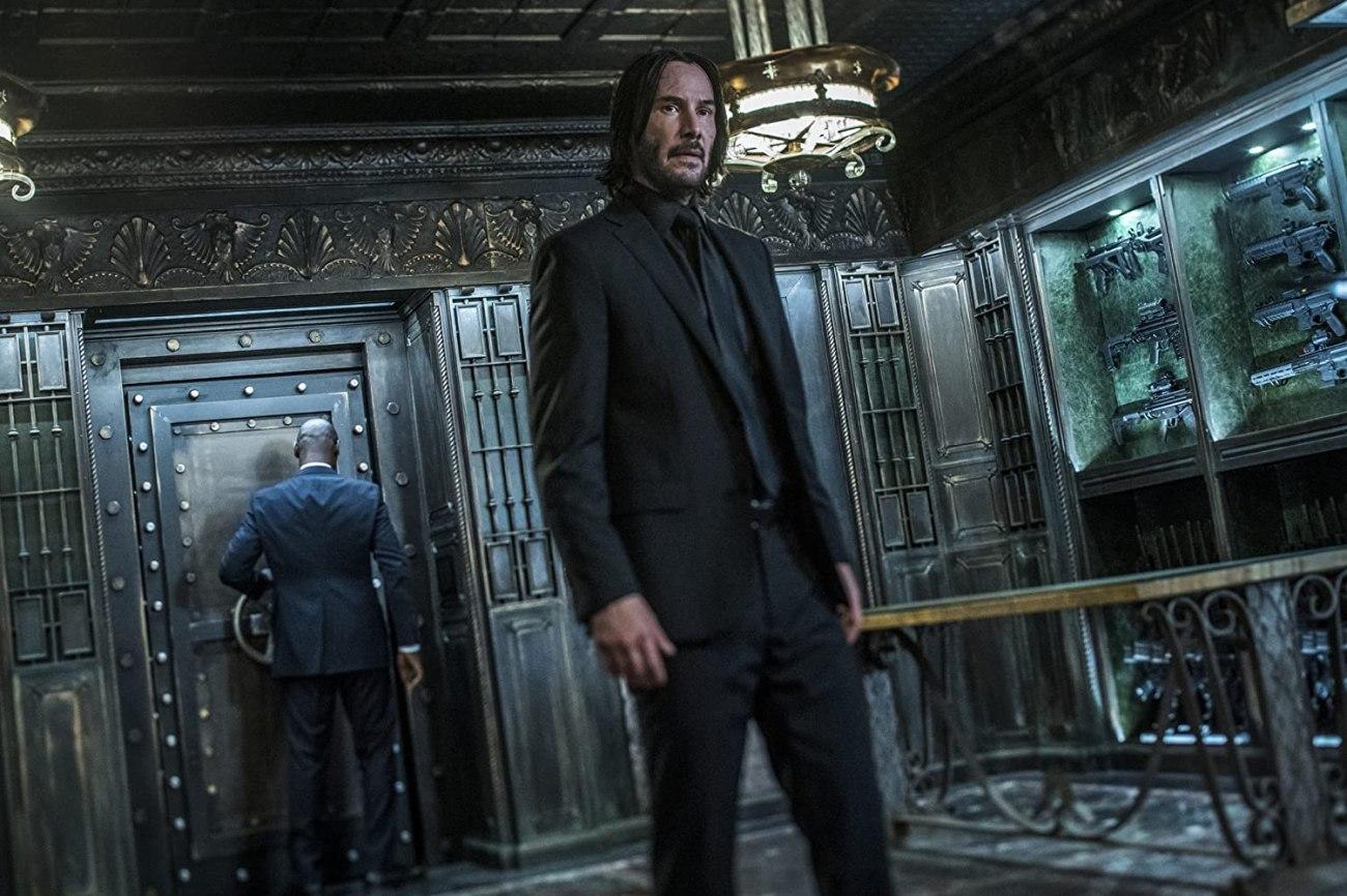 Charon (Lance Reddick) y John Wick (Keanu Reeves) en John Wick: Chapter 3 – Parabellum (2019). Imagen: Niko Tavernise/Lionsgate