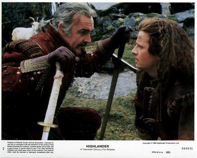 Sean Connery como Juan Sánchez-Villalobos Ramírez y Christopher Lambert como Connor MacLeod en Highlander (1986). Imagen: IMDb.com