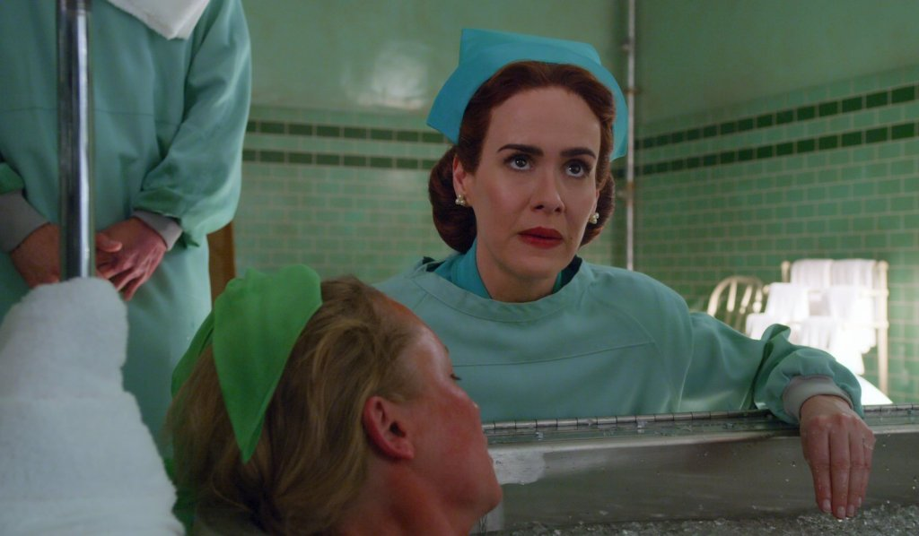 Sarah Paulson como la Enfermera Mildred Ratched en Ratched. Imagen: Netflix Twitter (@netflix).