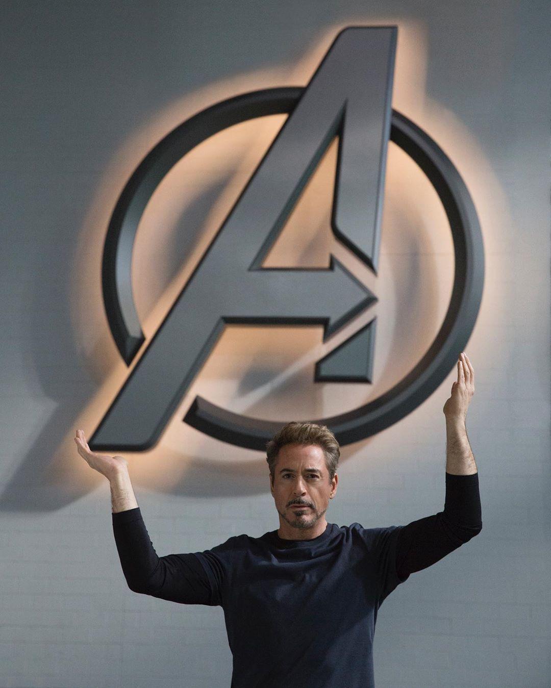 Robert Downey Jr. como Tony Stark/Iron Man en el set de Avengers: Endgame (2019). Imagen: Disney+ Instagram (@disneyplus).
