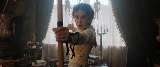 Millie Bobby Brown como Enola Holmes en Enola Holmes (2020). Imagen: Legendary Pictures