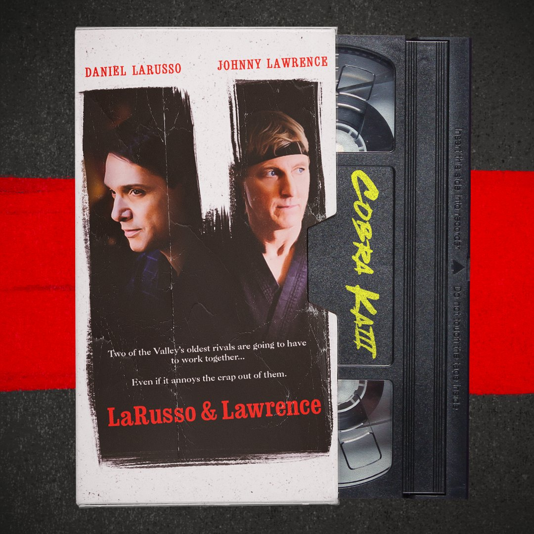 Daniel LaRusso (Ralph Macchio) y Johnny Lawrence (William Zabka) en la temporada 3 de Cobra Kai al estilo Tango & Cash (1989). Imagen: Cobra Kai Twitter (@CobraKaiSeries).