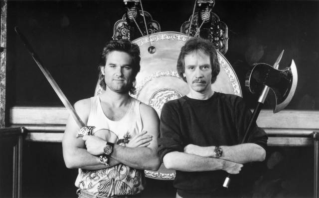 Kurt Russell y el director John Carpenter en el set de Big Trouble in Little China (1986). Imagen: OldSchoolCool Reddit