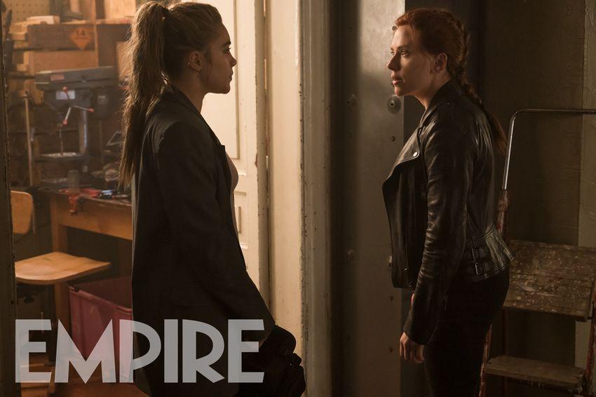 Yelena Belova (Florence Pugh) y Natasha Romanoff (Scarlett Johansson) en Black Widow (2021). Imagen: Empire Magazine