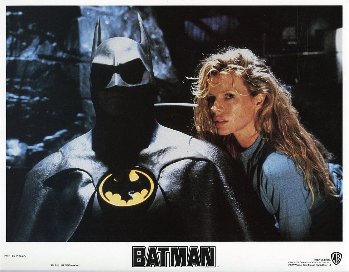 Batman/Bruce Wayne (Michael Keaton) y Vicki Vale (Kim Basinger) en Batman (1989). Imagen: listal.com