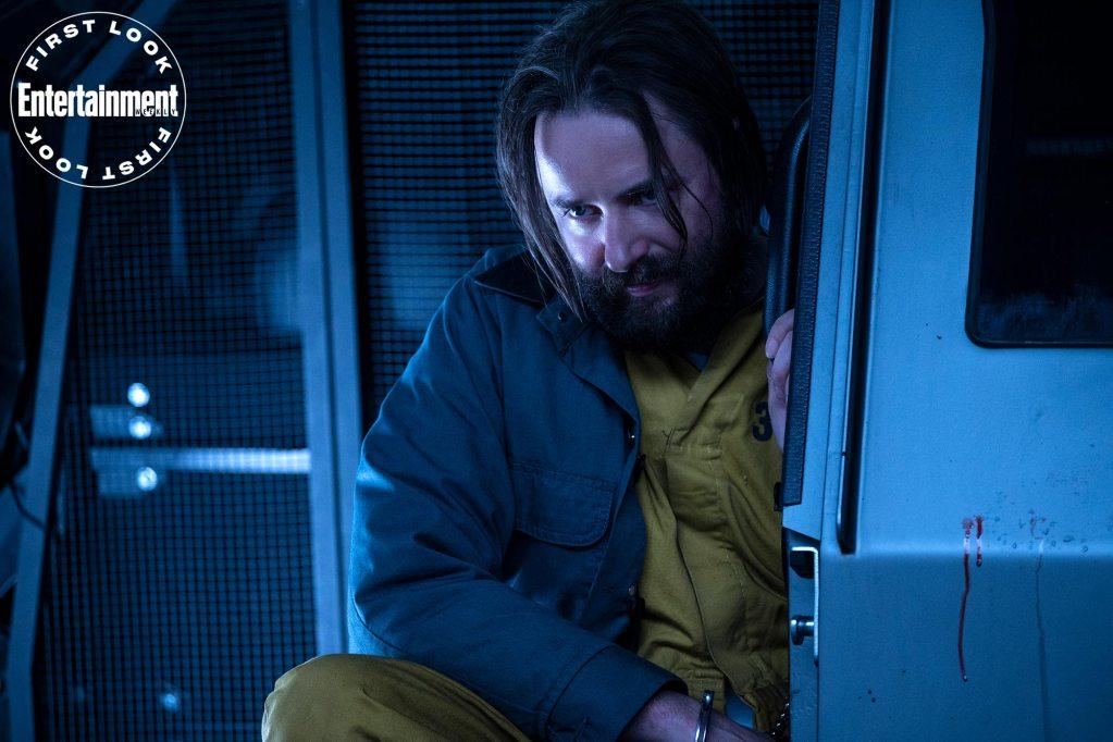 El Dr. Jonathan Crane/Scarecrow (Vincent Kartheiser) en la temporada 3 de Titans. Imagen: Ben Mark Holzberg/HBO Max/Entertainment Weekly
