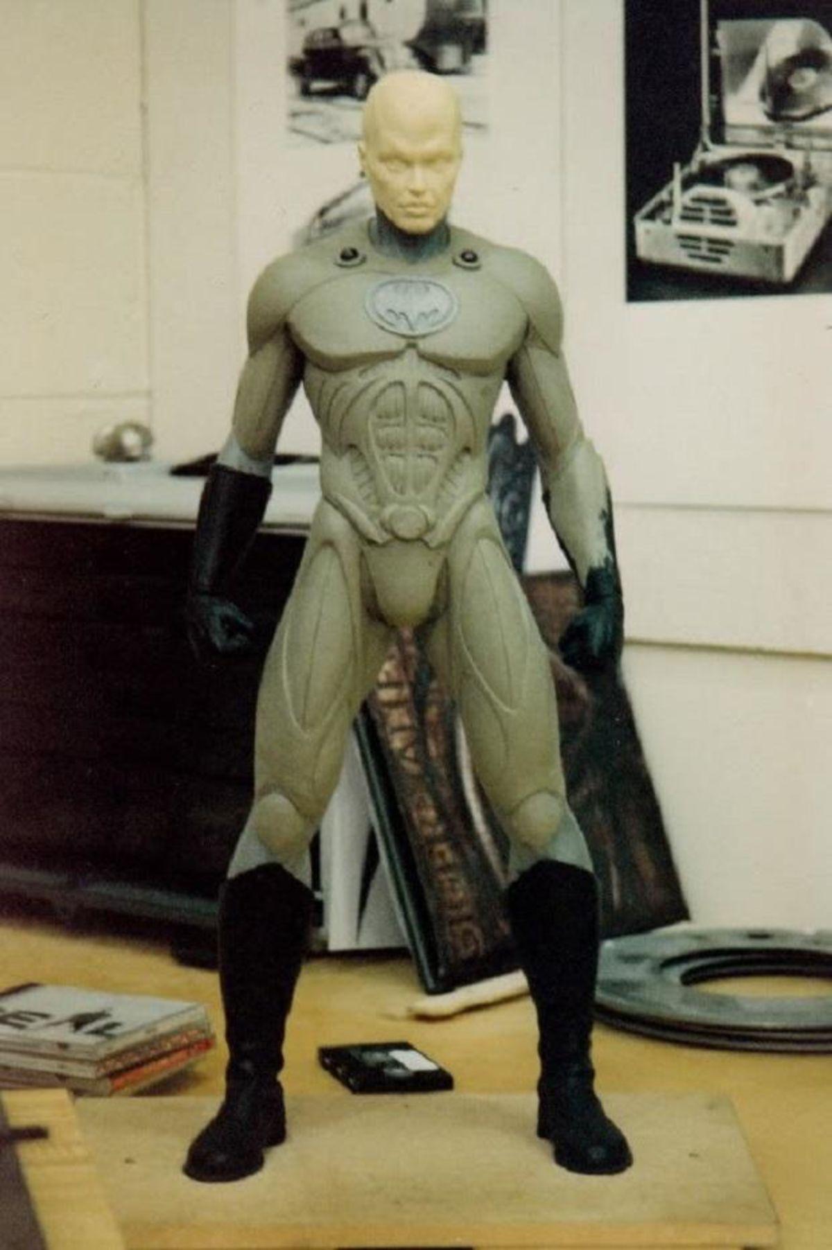 Prototipo del Batitraje no usado por Michael Keaton en una tercera película de Batman. Imagen: Mindd Kidzag Twitter (@MinddKidzag).