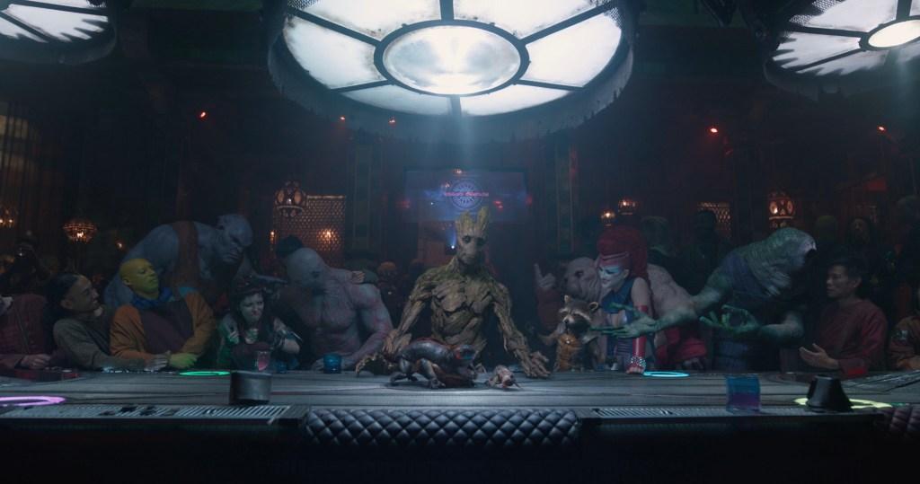 """Groot (voz de Vin Diesel) y su """"Última Cena"""" en Guardians of the Galaxy (2014). Imagen: James Gunn Twitter (@JamesGunn)."""