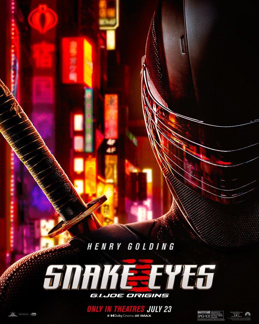 Snake Eyes (Henry Golding) en un póster de Snake Eyes: G.I. Joe Origins (2021). Imagen: Snake Eyes Twitter  (@SnakeEyesMovie).