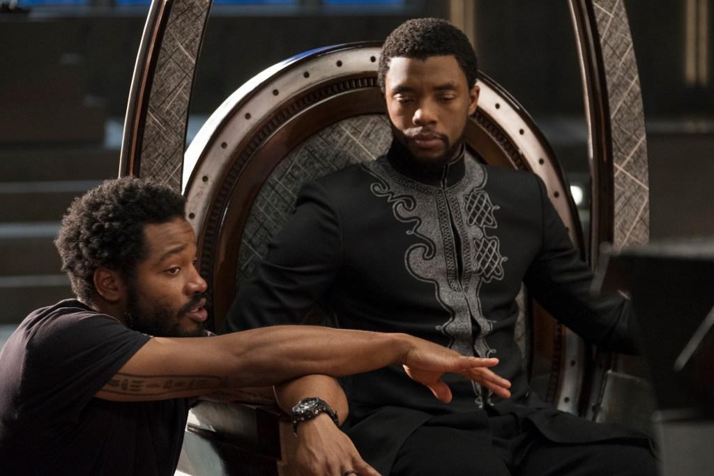 El director/guionista Ryan Coogler y Chadwick Boseman (1976-2020) como T'Challa/Black Panther en el set de Black Panther (2018). Imagen: Marvel Studios