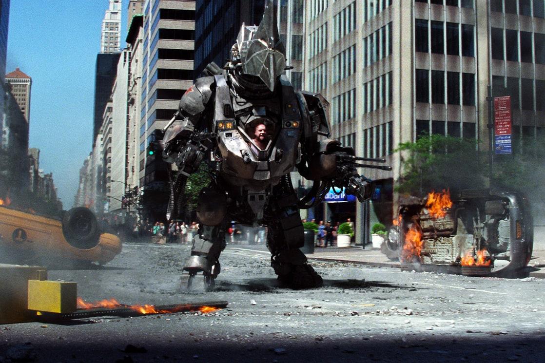 Aleksei Sytsevich (Paul Giamatti) y la armadura de Rhino en The Amazing Spider-Man 2 (2014). Imagen: listal.com