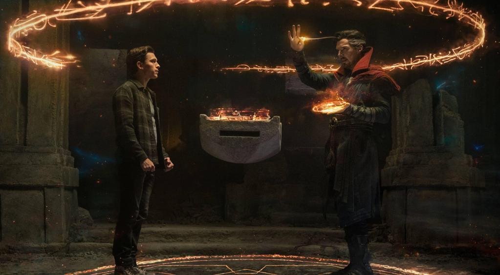 Peter Parker/Spider-Man (Tom Holland) y el Dr. Stephen Strange/Doctor Strange (Benedict Cumberbatch) en Spider-Man: No Way Home (2021). Imagen: Sony Pictures