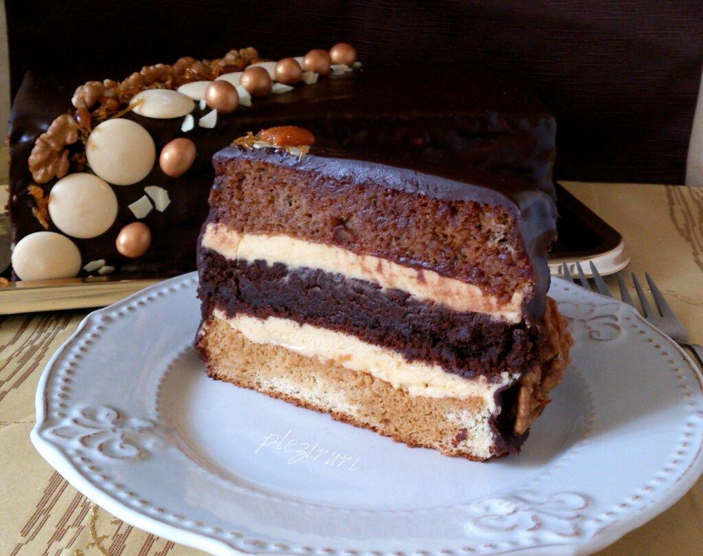 Tort insiropat cu crema de ciocolata
