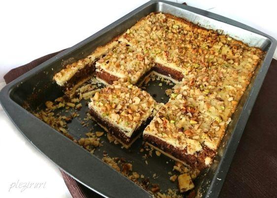 pleziruri - Prajitura frageda cu nuci si ciocolata