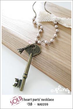 NA0209 - 'i heart paris' necklace