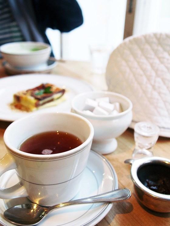 Tea time at Sagano-Yu Cafe in Kyoto Arashiyama