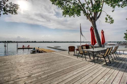 Large-private-dock-chestermere-lake