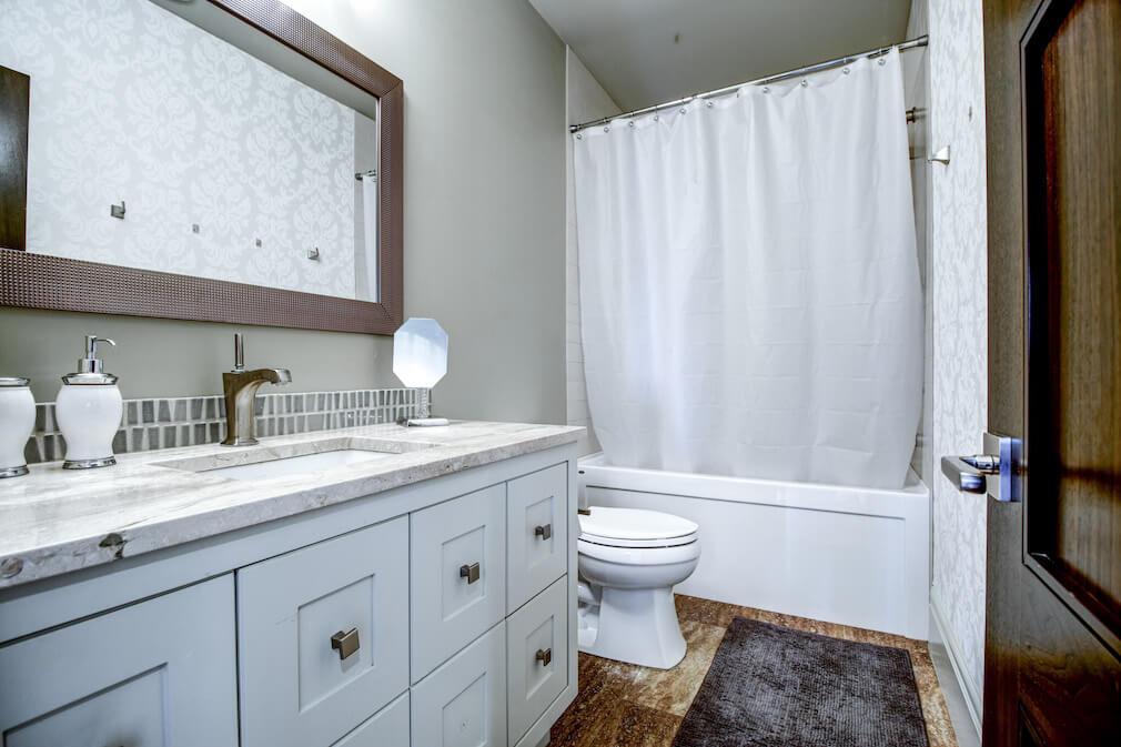 Bathroom-20-October-Gold-Gate-Elbow-Valley-For-Sale-Realtor-Plintz-Luxury-Real-Estate-Calgary-Sothebys
