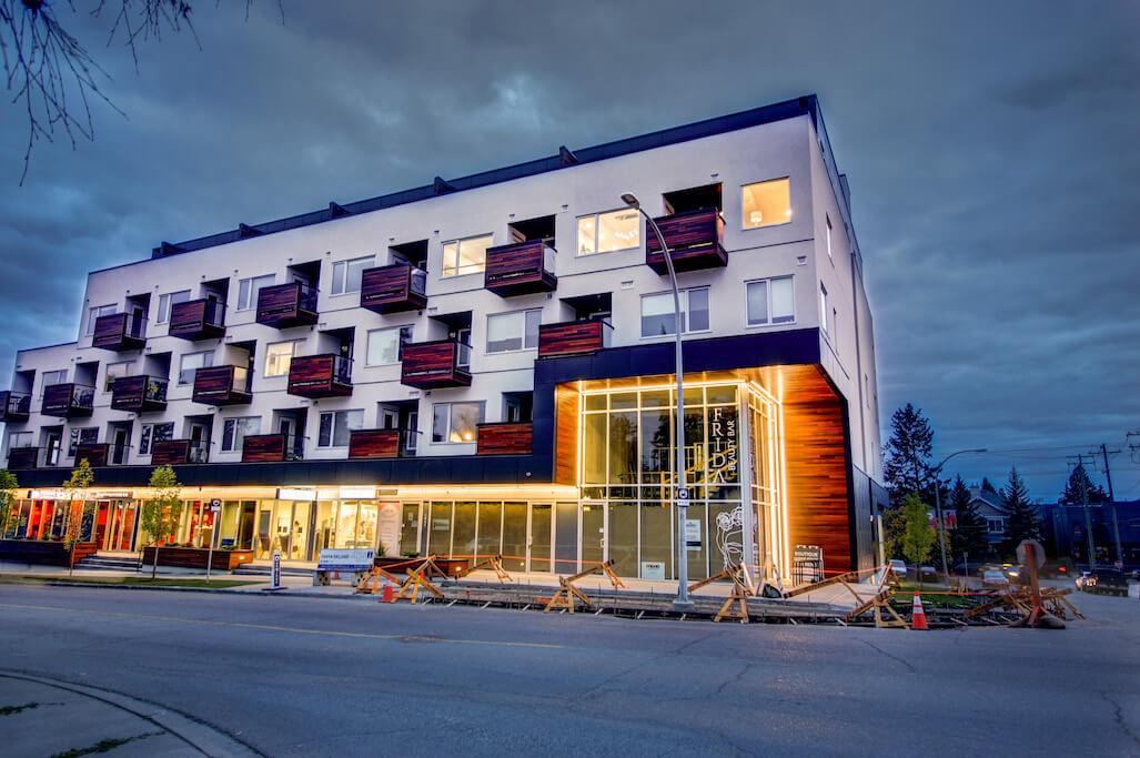 Avenue-33-new-condo-401-3450-19-Street-SW-Altadore-marda-loop-avenue-33-sarina-homes-condo-luxury-real-estate-for-sale-plintz-realtor-025