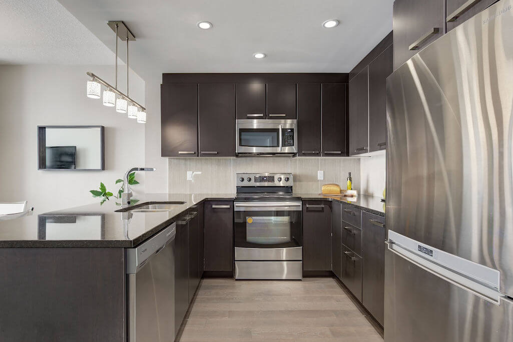 high-end-appliances-modern-2402-225-11-Avenue-SE-Keynote-Condo-Victoria-Park-Beltline-Calgary-Real-Estate-Plintz-Realtor-Luxury