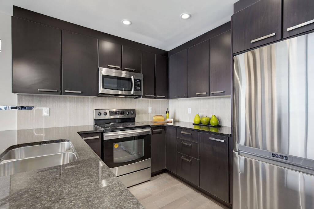 modern-kitchen-cabinetry-2402-225-11-Avenue-SE-Keynote-Condo-Victoria-Park-Beltline-Calgary-Real-Estate-Plintz-Realtor-Luxury