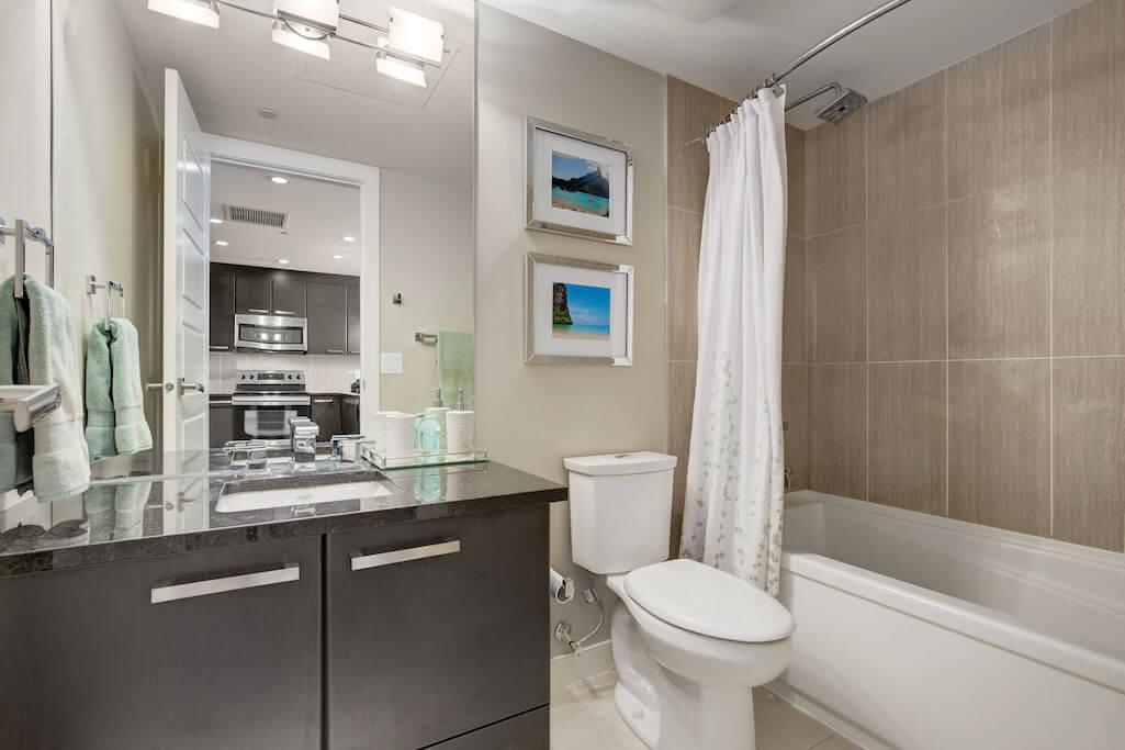 bathroom-2402-225-11-Avenue-SE-Keynote-Condo-Victoria-Park-Beltline-Calgary-Real-Estate-Plintz-Realtor-Luxury