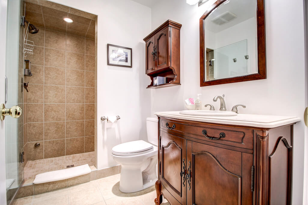 bathroom-vanity-reatreat-centre-business-opportunity-Crossing-Ghost-River-Plintz-Real-Estate-For-Sale