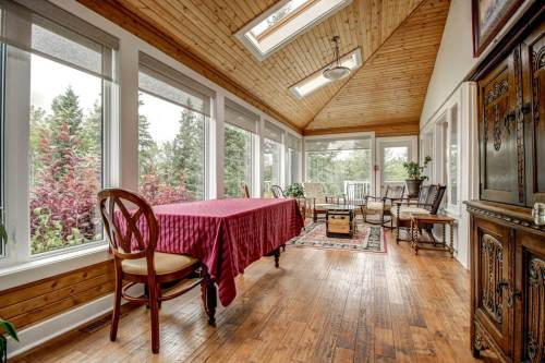 sunroom-relax-reatreat-centre-business-opportunity-Crossing-Ghost-River-Plintz-Real-Estate-For-Sale